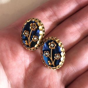 Vintage Stone and Floral Clip On Earrings